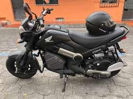 Se Vende moto Honda Navi color negro un solo dueño flamante en $1600