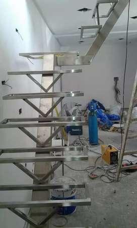 Escaleras en hierro y madera