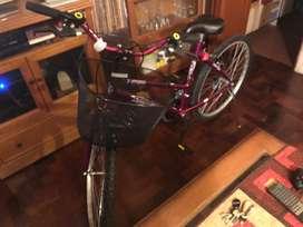 Bicicleta dama Rod. 26 NUEVA. Con todos los accesorios.