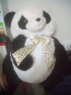Vendo Peluche Panda enorme precio comodo