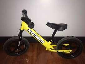 Vendo bicicleta de balance Strider usada