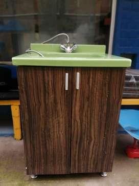 lavamanos con opción de instalar para agua caliente y fría