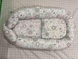 Nido de bebé niña para cuna o cama