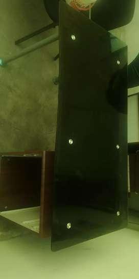 Mueble y sillas de escritorio estado 8de10