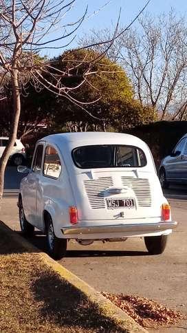 Fiat 600 R mod 1971 exelente estado, titular.
