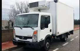 se necesitan camiones frigoríficos de 4,6 y 8 parihuelas.