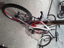 Combo de bicicletas una de aro 24 otra de aro 16 y una choper