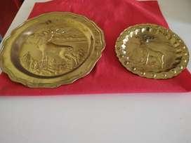 Lote de 2 Platos decorativos antiguos dorados