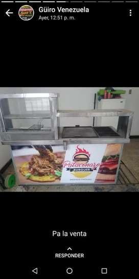 Vendo carro de comida rápida con mesa rimax y 4 banco de plástico paea centarce y un para sol