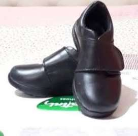 Zapatos de cuero, un solo uso...