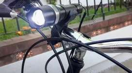LINTERNA CREE LED USB + SOPORTE para BICICLETA.