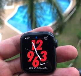 Apple Watch S4 Nike
