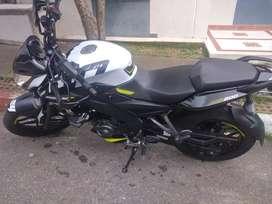 Vendo moto N.S 200
