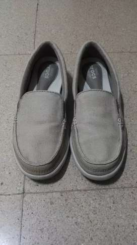 Crocs Loafers. Talla 6W