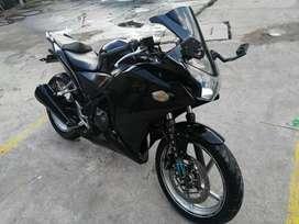 Hermosa HONDA CBR 250