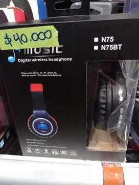 Diadema Bluetooth marca Music, con iluminación y micrófono