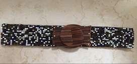 Correa en piedras de colores hecha a mano