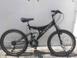 Bicicleta GW Todoterreno de color negro