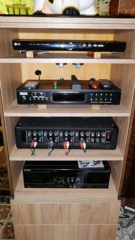 Se Vende Equipo de sonido de 4 módulos con dos bafles