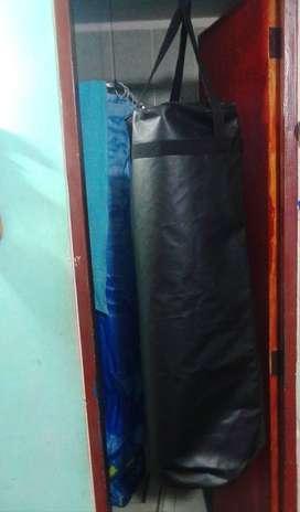 PROMOCIÓN Combo Tula O Saco de Boxeo con guantes kingboxing