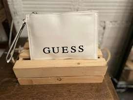 Sobre hangsbag Guess