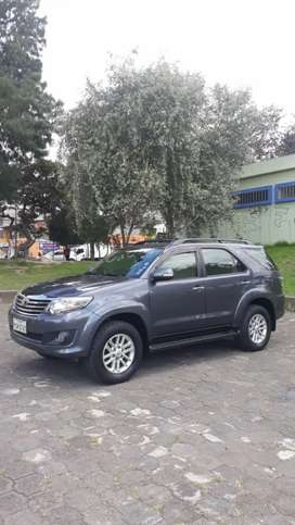 TOYOTA FORTUNER 2015 IMPECABLE 2.7