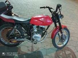 Vendo moto de oportunidad  marca LAMBORBINI cilindraje  150 pero está preparada ah 200