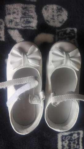 hermosos zapatos de Niña