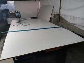 Se vende mesa de corte y cortadora vertical