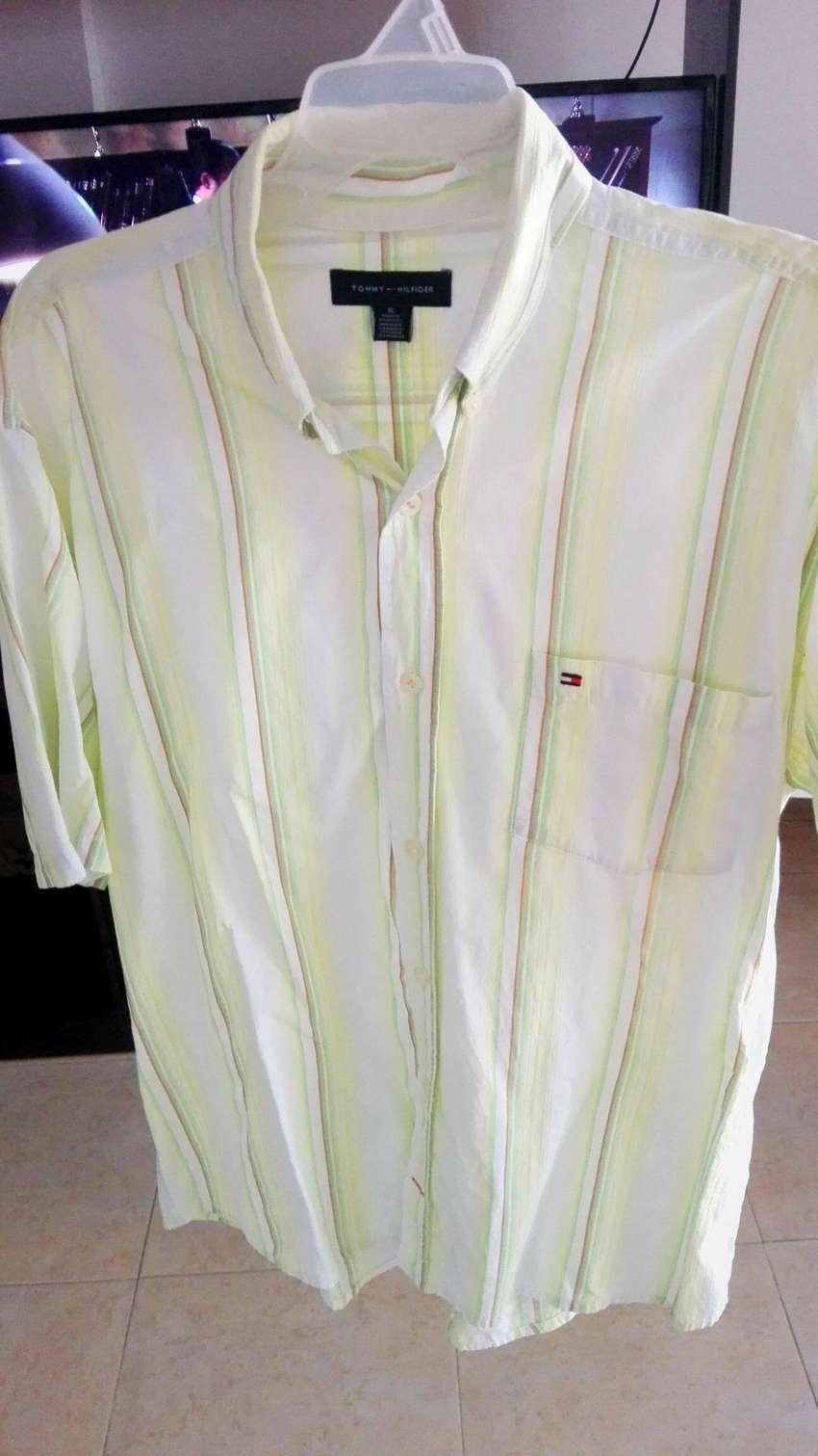 Camisa Tommy Hilfiger Nueva Talla XL Pequeña! 0