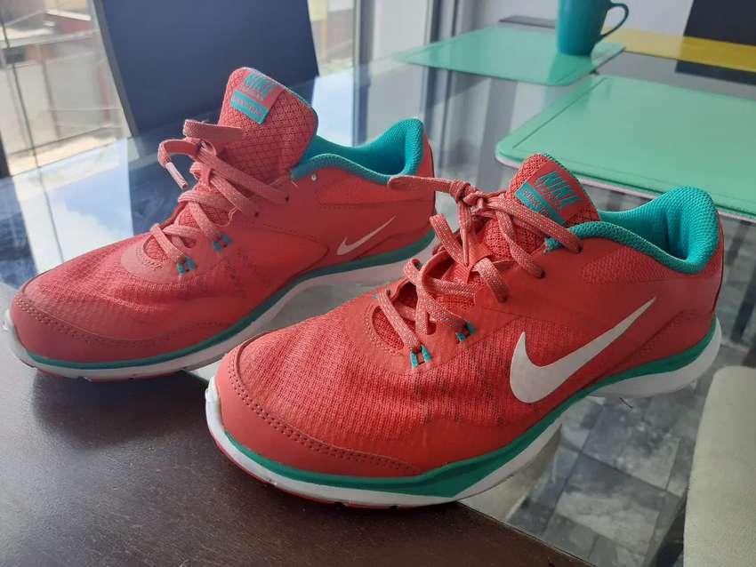 Zapatillas Nike flex tr5 talla 37.5 damas