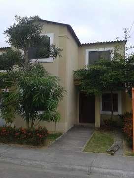 Casa de Venta en Urbanizacion La Joya Norte de Guayaquil