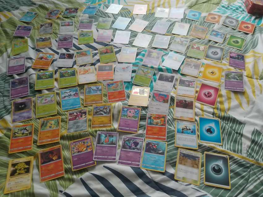 Se tradea o se venden cartas Pokémon negociable