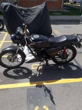 Moto Nkd Recién reparada en muy buen estado, lista para traspaso