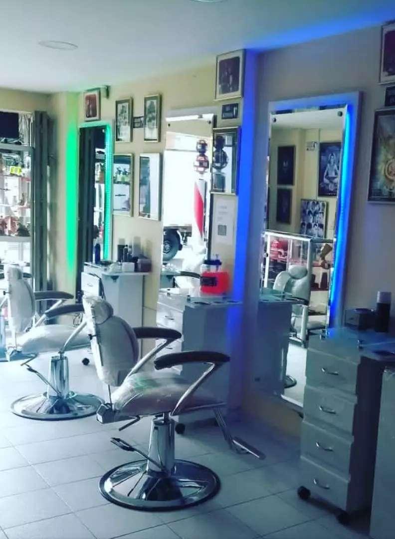 Muebles de peluquería y barbería 0
