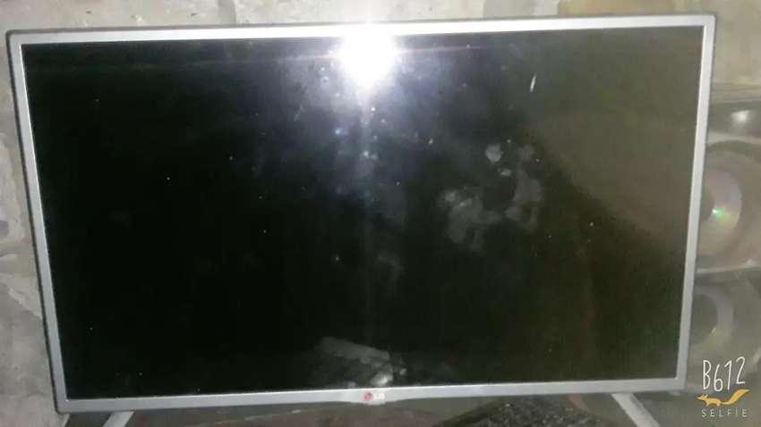 Vendo 2 televisores  para repuestos