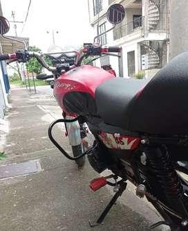 Vendo moto akt slr 2013