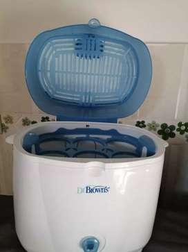 Esterilizador de teteros usado para bebes