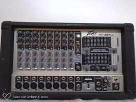 Vendó equipo de sonido en buen estado.