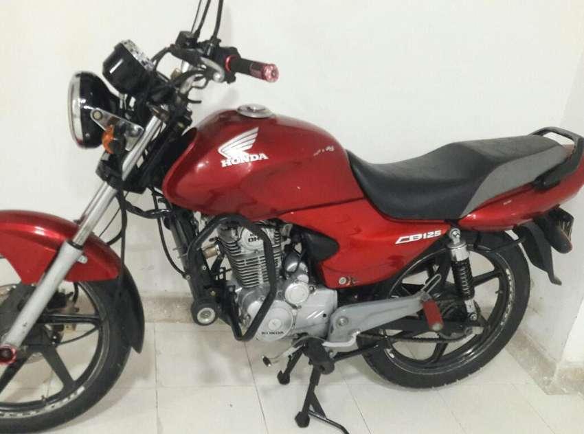 Vendo Moto Honda Cb 125e Toda Original 0