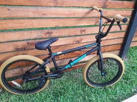 Bicicleta BMX GT Slamer