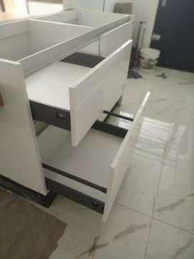 Ayudante armador de muebles de cocina y placares