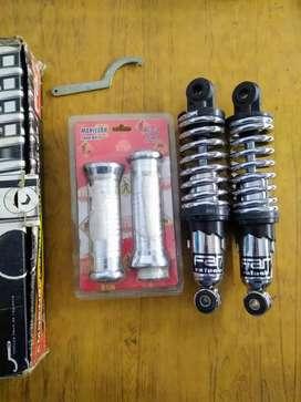 Amortiguadores Far 110 Cortos + Puños Tunning plateados nuevos