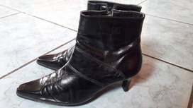 VENDO hermosos botines Usados como nuevos talla 37 NEGOCIABLE