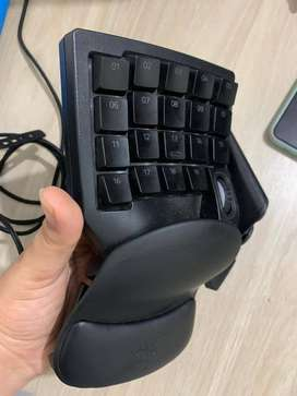 teclado MMO profesional Razer orbweaver