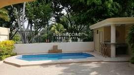 Alquiler de casa con piscina en Urb. Laguna Club - Via a la Costa