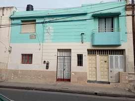 Casa / Departamento Chubut 200. Alberdi. INVERSIÓN