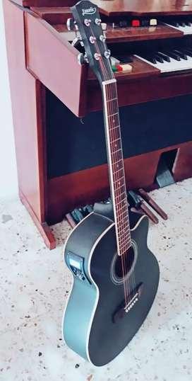 Guitarra electróacustica nueva