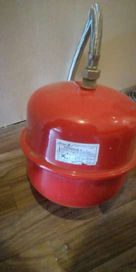 Vendo vaso de expansión para caldera