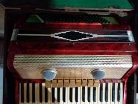 Acordeon a piano Scandalli( original italiana)